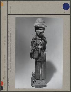 Statuette en bois