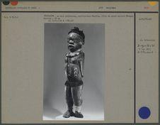 """Marionnette en bois polychrome """"Ebotita&quot"""
