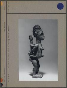 Statuette Bavili en bois