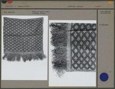 Tissu en raphia brodé