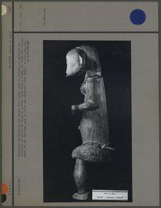 Statuette représentant une femme