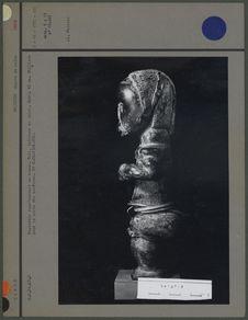 Statuette représentant un homme