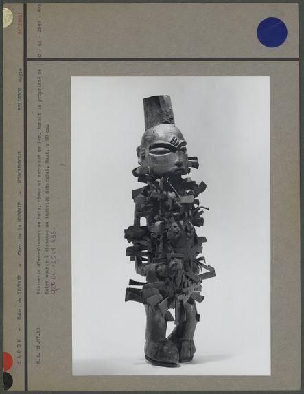 Statuette d'envoûtement en bois