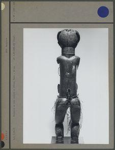 Statuette en bois sculpté et fibres