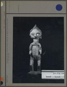 Statuette en bois, yeux en miroir