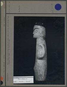 Buste humain en bois peint