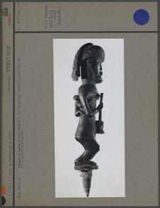 Pommeau de canne, bois sculpté et fil de cuivre (profil)