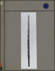 Bâton en bois représentant un couple