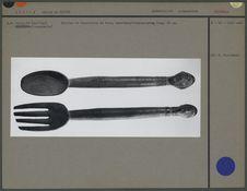 Cuiller et fourchette en bois, manches anthropomorphes