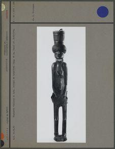 Statuette féminine en bois, servant de tabatière