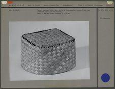 Bonnet cubique en jonc-papyrus