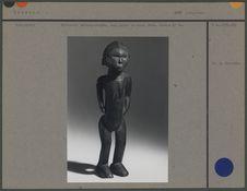 Statuette anthropomorphe, bois