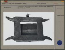 Volet de grenier en bois sculpté, pignon