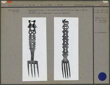 Fourchettes en bois sculpté