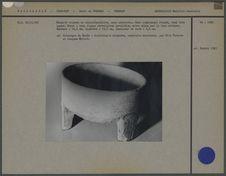 Marmite en pierre à usage funéraire