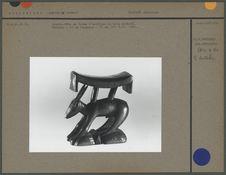 Appuie-tête en forme d'antilope en bois