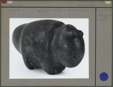 Animal stylisé en pierre polie