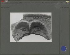 Fragment de col d'urne funéraire