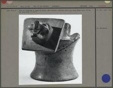 Vase en céramique en forme de félin