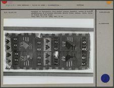 Fragment de tapisserie : deux bandes cousues