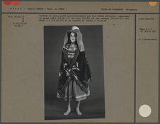 Costume de laine porté quotidiennement par les femmes métisse