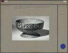 Coupe en céramique, forme hémisphérique