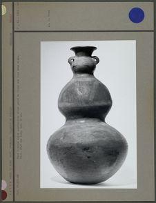 Vase à trois corps superposés