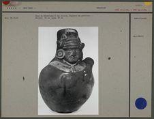 Vase en céramique à col ouvert : guerrier