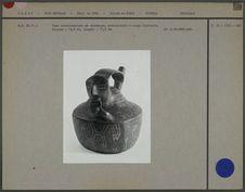 Vase représentant un joueur de flûte de Pan
