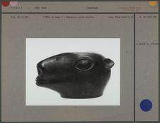 Tête de lama en céramique noire moulée