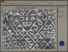 Fragment de tissu ajouré en coton, gaze brodée