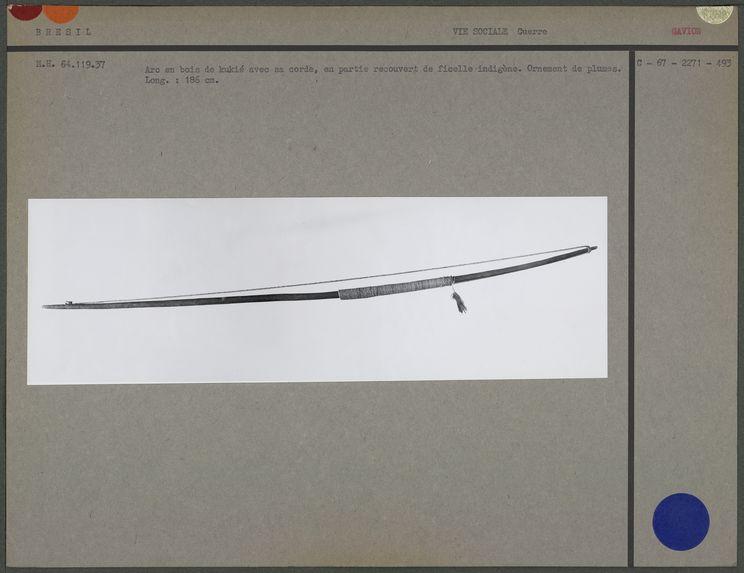 Arc en bois de kukié avec sa corde