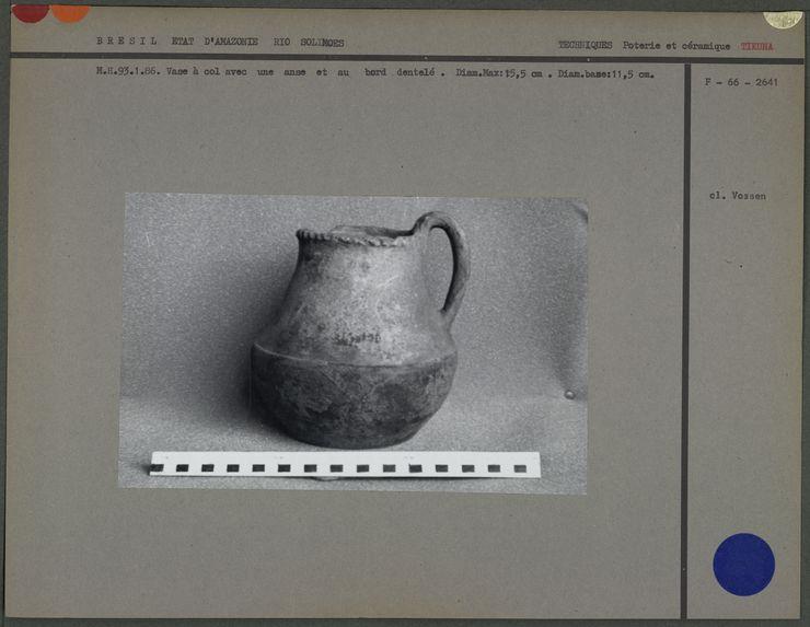 Vase à col avec anse en céramique