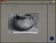 Vase à deux anses en céramique peinte