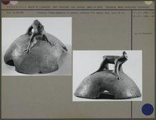 Couvercle, fragment d'urne funéraire