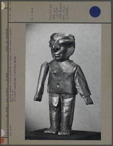 Figurine humaine en or