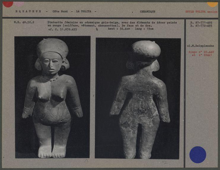 Statuette féminine en céramique gris-beige