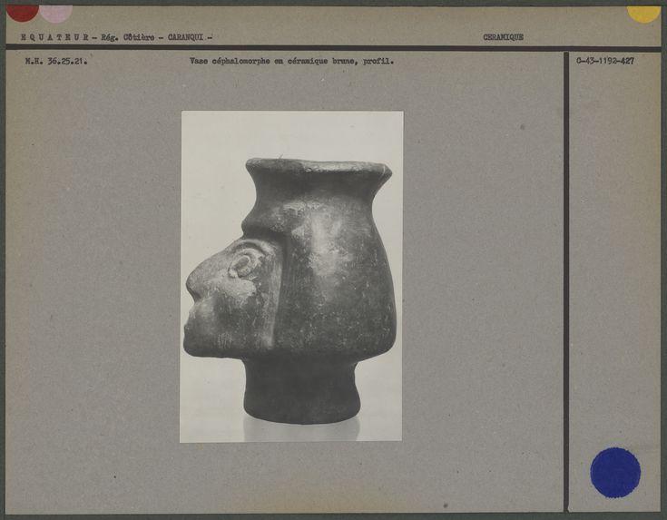 Vase céphalomorphe en céramique brune
