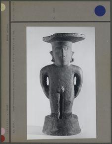 Statuette anthropomorphe en pierre