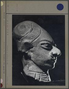 Tête de statuette en céramique