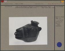 Tête de lama harnaché, récipient en céramique