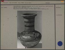 Jarre funéraire en céramique polychrome