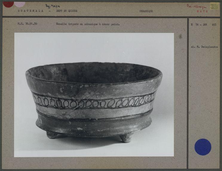 Ecuelle maya tripode en céramique