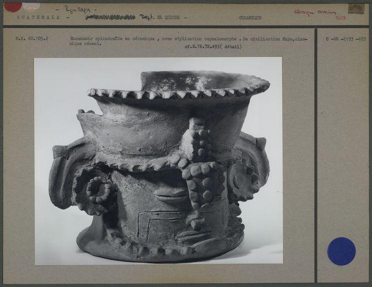 Encensoir cylindroïde en céramique