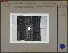 Huipil composé de deux lés en coton blanc
