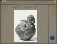 Vase anthropomorphe à panse sphérique