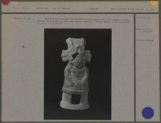 Statuette en céramique : personnage assis
