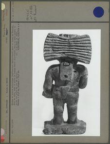 Statue en pierre représentant Quetzalcoatl (dos)