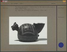 Vase tripode, semi-sphérique, en céramique grise