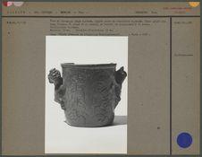 Vase en céramique rouge lustrée, argile cuite